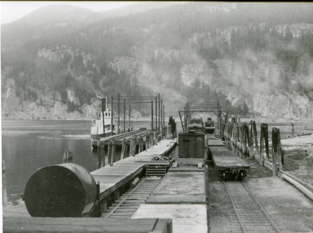 SS Rosebery at the wharf in Slocan City, circa 1930s, courtesy of Vancouver Public Library