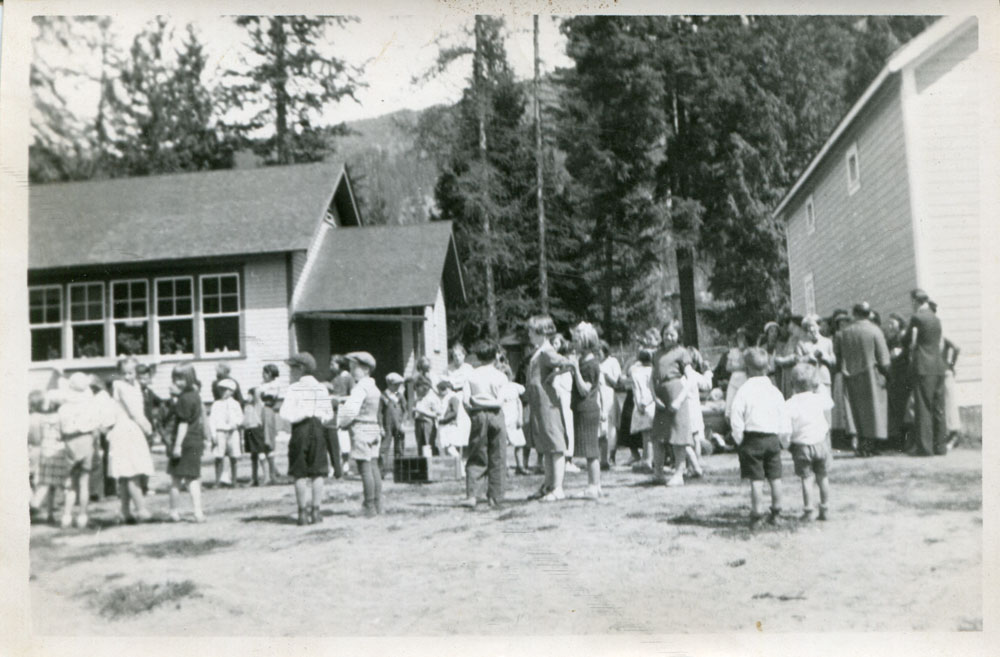 Elementary (left) and High (right) schools, circa 1930s.